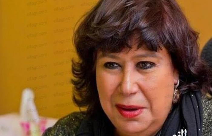 """وزيرة الثقافة تفتتح معرض نتاج مبادرة """"صنايعية مصر"""" فى المحافظات بالهناجر"""