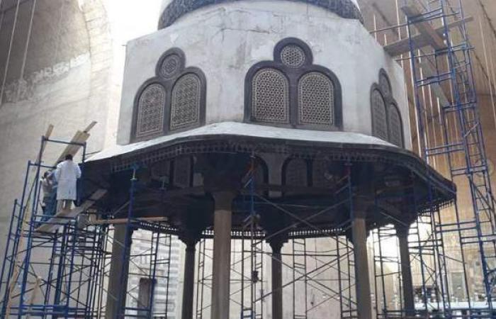 الآثار تعلن انتهاء عمليات ترميم وتثبيت قبة الفوارة بمسجد السلطان حسن