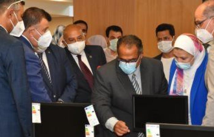 رئيس جامعة عين شمس يفتتح ثلاث قاعات للاختبارات الإلكترونية بكلية الألسن