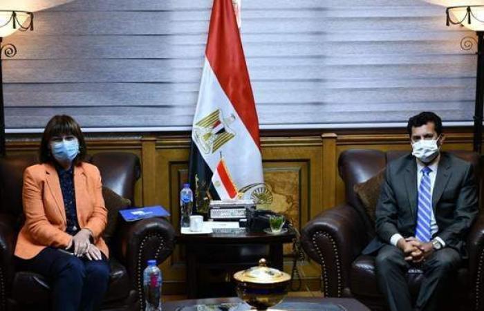 وزير الرياضة يلتقي ممثلة الأمم المتحدة في مصر
