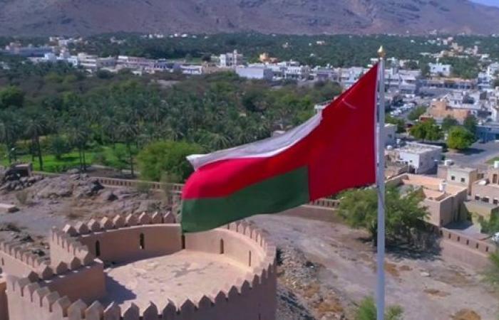 سلطنة عمان تخفف قيود كورونا وتسمح لمواطني الخليج بالتنقل عبر الحدود البرية