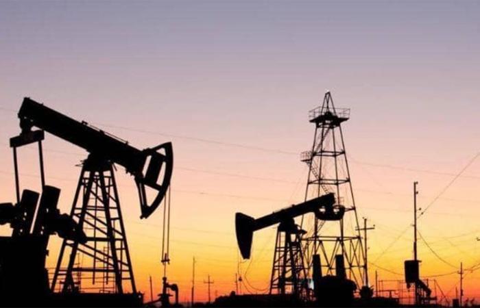مدعومة بقرار أوبك+.. أسعار النفط تسجل ارتفاعا
