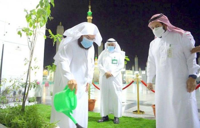 تحسين الباب القبلي والنظام الصوتي وغرف المؤذنين بالمسجد النبوي