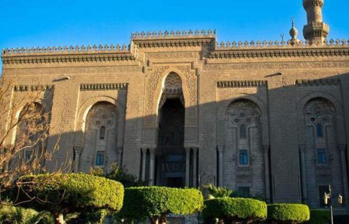 سقوط الغطاء الزجاجي لأحد أباليك الثريا النحاسية بمسجد الرفاعي