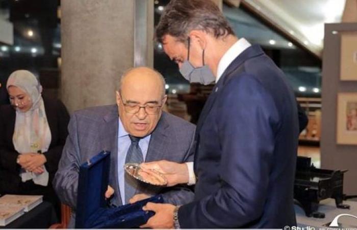 مدير مكتبة الإسكندرية يستقبل رئيس وزراء اليونان