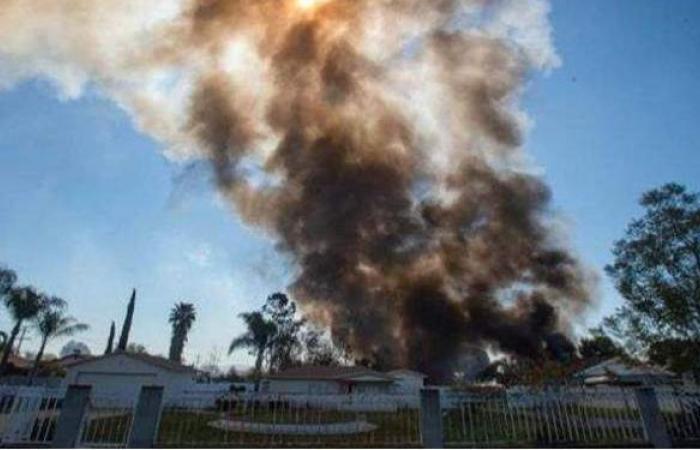 إصابة 16 شخصا وتضرر مبان بانفجار مستودع ألعاب نارية في لوس أنجلوس   فيديو