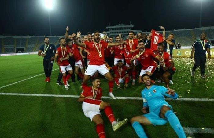 كشف حساب محمد الشناوي مع الأهلي بعد التتويج بالعاشرة