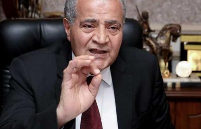 وزير التموين يفجر مفاجأة حول نظام صرف الخبز على البطاقات (فيديو)