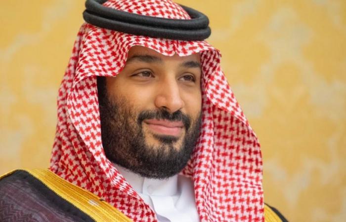 محمد بن سلمان يتلقى اتصالًا هاتفيًّا من أمير قطر