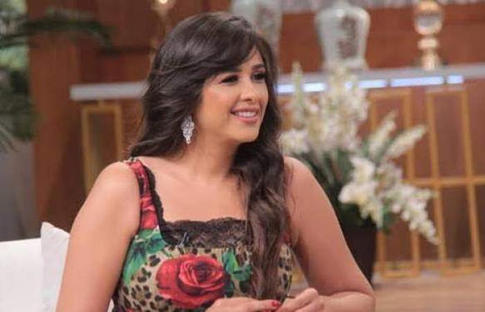 رسائل حب ودعم من النجوم لـ ياسمين عبد العزيز بعد وعكتها الصحية