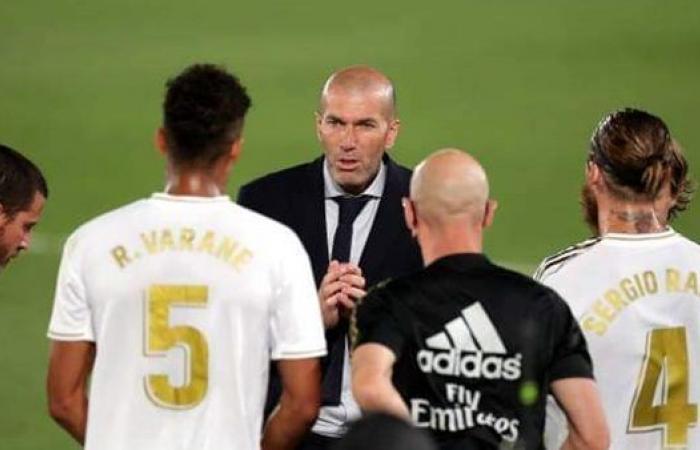 تعرف على أخر تطورات مفاوضات مانشستر يونايتد لضم فاران مدافع ريال مدريد