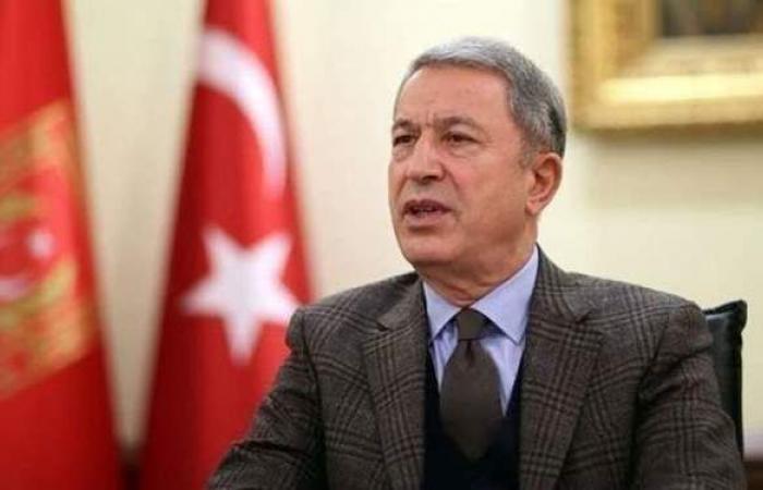 بعد زيارة للحدود السورية.. هبوط اضطراري لطائرة تقل وزير الدفاع التركي