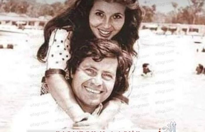 على ظهر حسين فهمي.. ميرفت أمين في صورة صيفية نادرة
