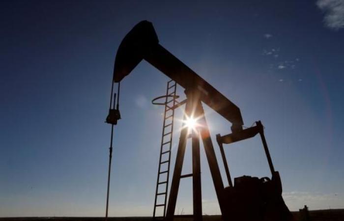 أسعار النفط تستقر وبرنت يزيد 5 سنتات