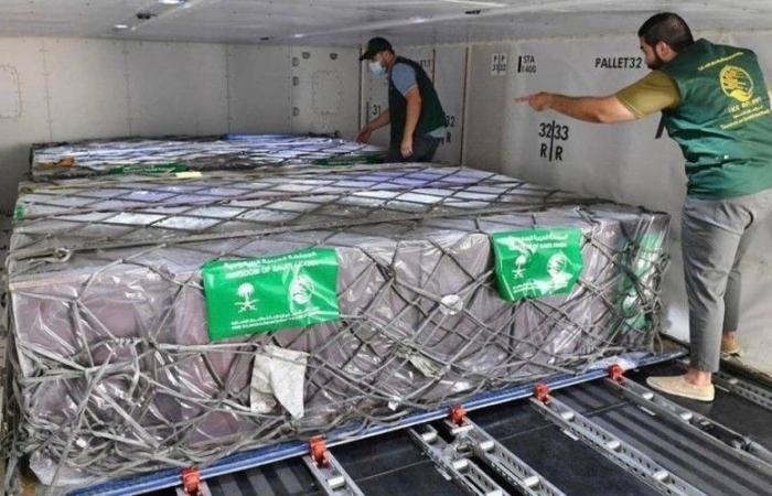 إنفاذا لتوجيهات خادم الحرمين الشريفين.. وصول طائرة مساعدات إلى تونس تحمل الدفعة الأولى من الأكسجين الطبي