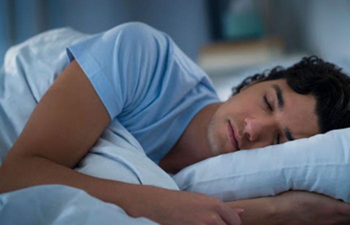 علامة عند النوم قد تكون مؤشرًا للإصابة بالسرطان