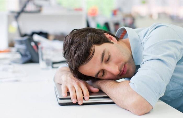 3 عادات صباحية تسبب الشعور بالإرهاق طوال اليوم