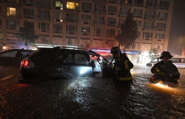 إعصار «إيدا» يفتك بمدينة نيويورك