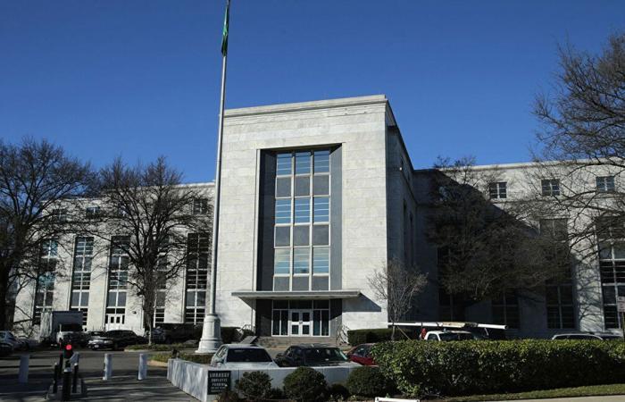 القنصلية السعودية في لوس أنجلوس تعلن إغلاق أبوابها الإثنين المقبل