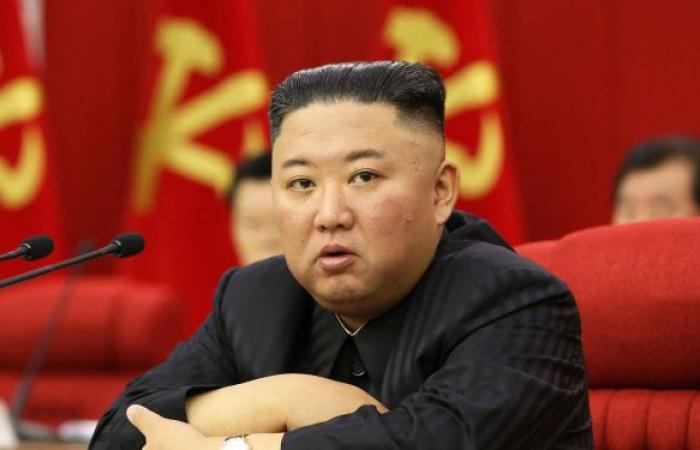 """زعيم كوريا الشمالية يطالب مسؤوليه بإجراءات أكثر حزما لمواجهة """"الوضع الخطير"""" لكورونا"""