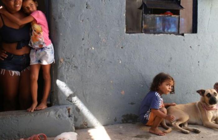 البرازيل تريد وقف تلقيح المراهقين من كورونا إثر حالة وفاة بعد التطعيم بلقاح فايزر
