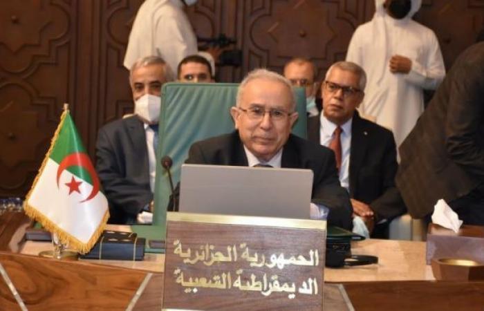وزير الخارجية الجزائري يبحث استئناف المفاوضات حول القضية الصحراوية
