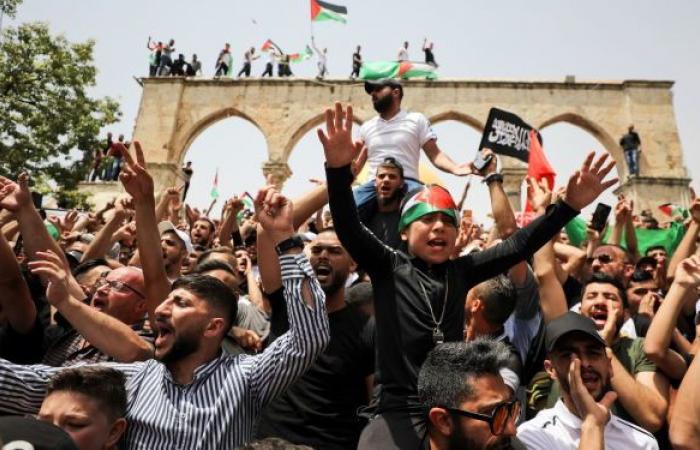 السلطة الفلسطينية تطالب بتحرك عربي وإسلامي لمواجهة رفع علم إسرائيل في الأقصى