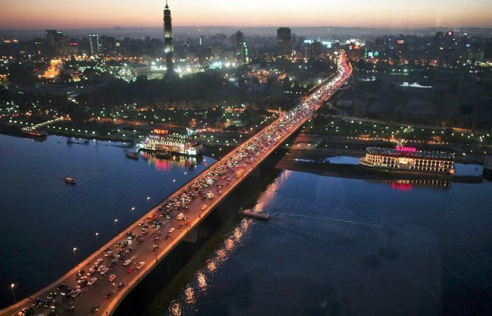 العاصمة المصرية تغلق محالها في العاشرة مساء .. وكورونا و«الشتاء» السبب