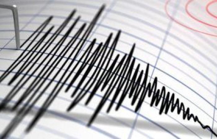 زلزال بقوة 5.2 ريختر يضرب ميناء غناوة جنوبى إيران