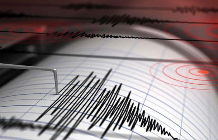 زلزال قوي يضرب ميناء غناوة الإيراني