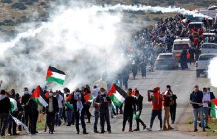 إصابة 11 فلسطينيًا بالرصاص في مواجهات مع الاحتلال بنابلس