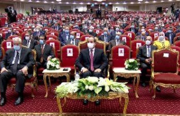 الرئيس السيسى يشاهد فيلما تسجيليا عن القضاء ومنظومة التقاضى فى مصر