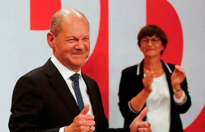 الحزب الاشتراكي الألماني: حكومة ائتلافية من 3 أحزاب نهاية العام