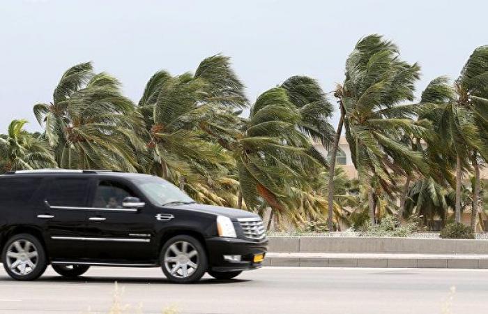 دول خليجية تحذر مواطنيها في سلطنة عمان من الإعصار شاهين
