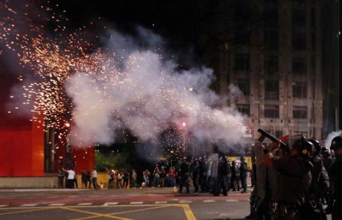 مظاهرات تطالب بعزل الرئيس بولسونارو في عدة ولايات برازيلية