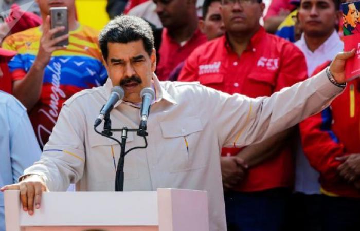 البوليفار الفنزويلي يتخلص من 6 أصفار من قيمته لتسهيل المعاملات