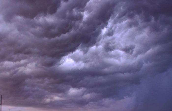 تنبيهات الأرصاد: 5 مناطق تتأثر بالأمطار والسحب الرعدية ونشاط الرياح.. السبت