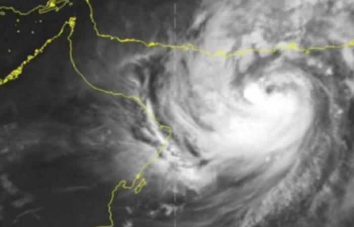 خبير مناخي: 7 مناطق في المملكة تتأثر ببقايا إعصار شاهين