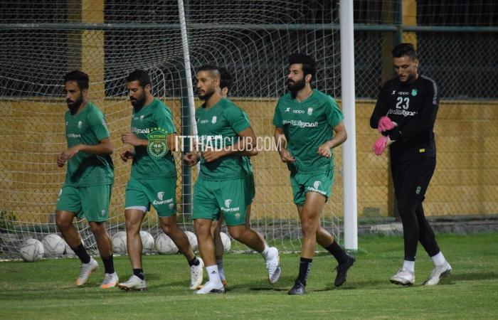 أحمد على يخوض أول مران مع الاتحاد السكندرى.. صور