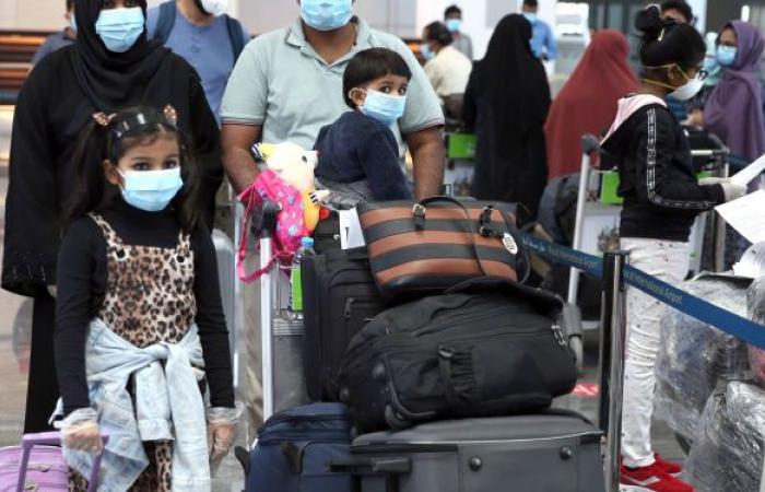 """سلطنة عمان تعيد جدولة الرحلات الجوية بسبب العاصفة """"شاهين"""""""