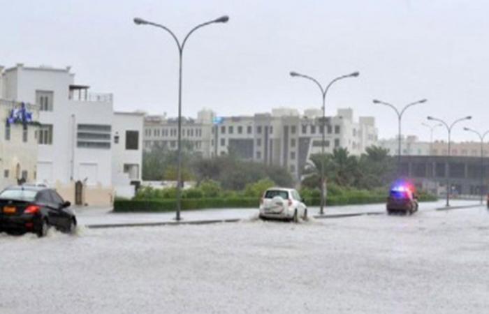 الإعصار شاهين.. سلطنة عمان تغلق مؤسسات صحية بعدة محافظات