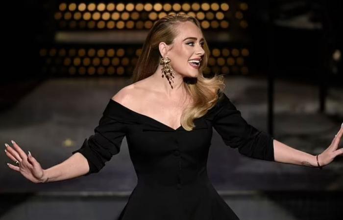 """دعاية غامضة تحمل رقم """"30"""" تثير حيرة جمهور Adele حول قرب طرح ألبومها الرابع.. صور"""