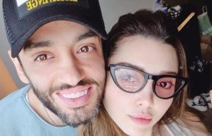 أول تعليق لـ رامى جمال بعد الهجوم عليه بسبب شكل تهنئته لزوجته على إنستجرام