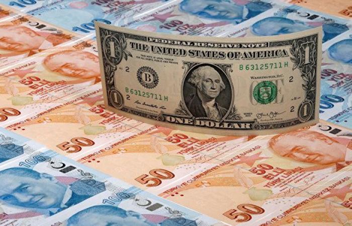 أردوغان يعزل ثلاثة أعضاء في لجنة السياسة النقدية بالبنك المركزي