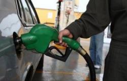 إغلاق محطات الوقود فى لبنان بسبب النقص الحاد فى البنزين